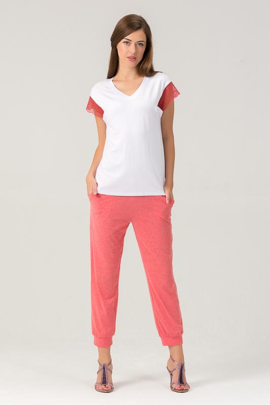 Комплект женский Tesoro: топ, капри, цвет: мандариновый щербет. 455К1. Размер 44455К1Женский костюм для дома и отдыха состоит из футболки и брюк. Изготовлен из мягкого трикотажного материала. В составе вискоза и лайкра.