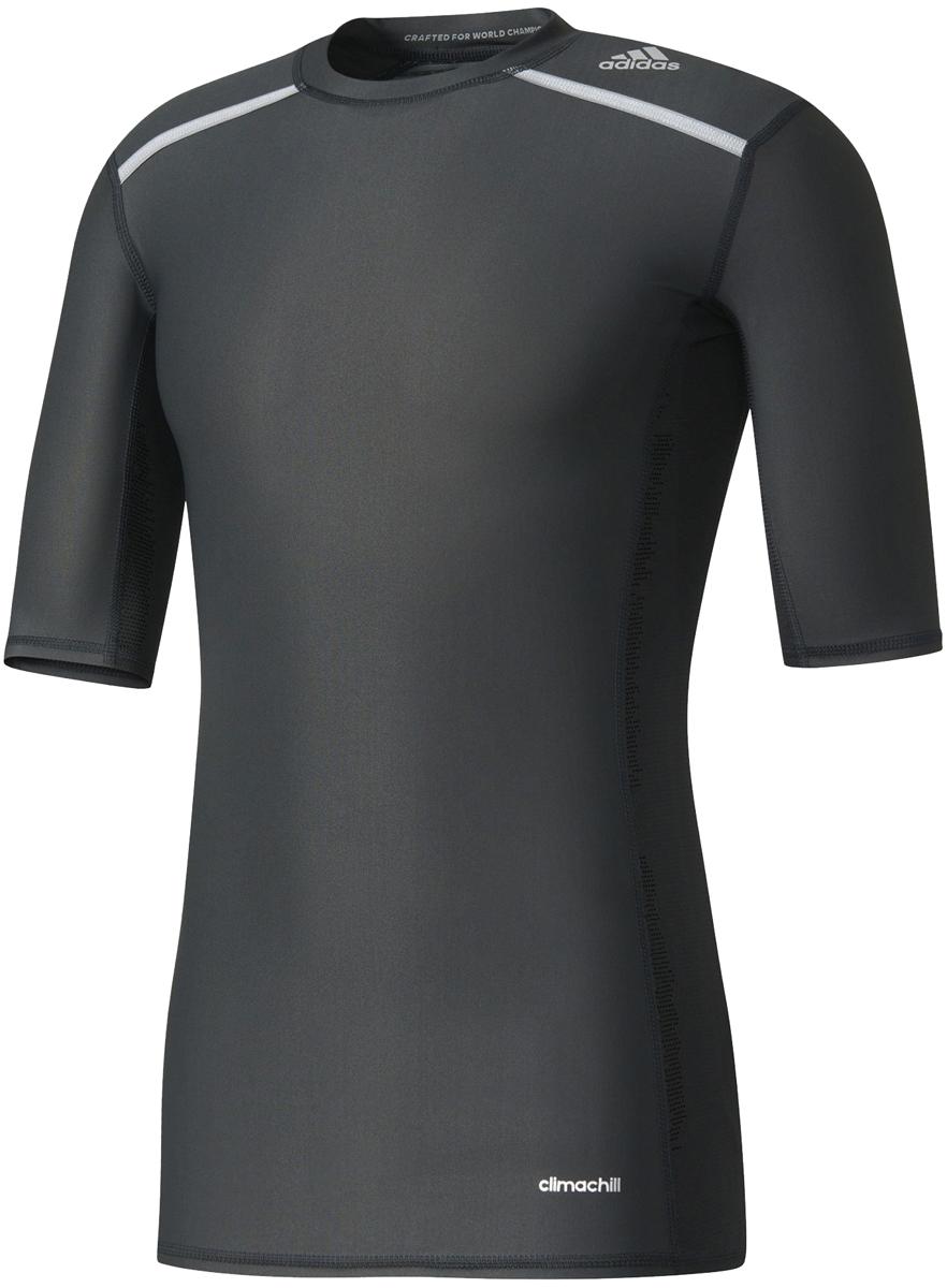 Футболка компрессионная мужская adidas Tf Chill Ss, цвет: черный. AJ5705. Размер S (44/46)AJ5705Мужская компрессионная футболка Adidas Tf Chill Ss с короткими рукавами и круглым вырезом горловины выполнена из эластичного полиэстера. Компрессионный крой обеспечивает мышцам дополнительную поддержку, а технология climachill сохраняет освежающее ощущение прохлады, помогая сосредоточиться на спортивных целях. Модель дополнена защитой от УФ-лучей 50+.Благодаря специальной сетчатой ткани технология climachill обеспечивает оптимальный уровень вентиляции и эффективно отводит излишки тепла от тела.