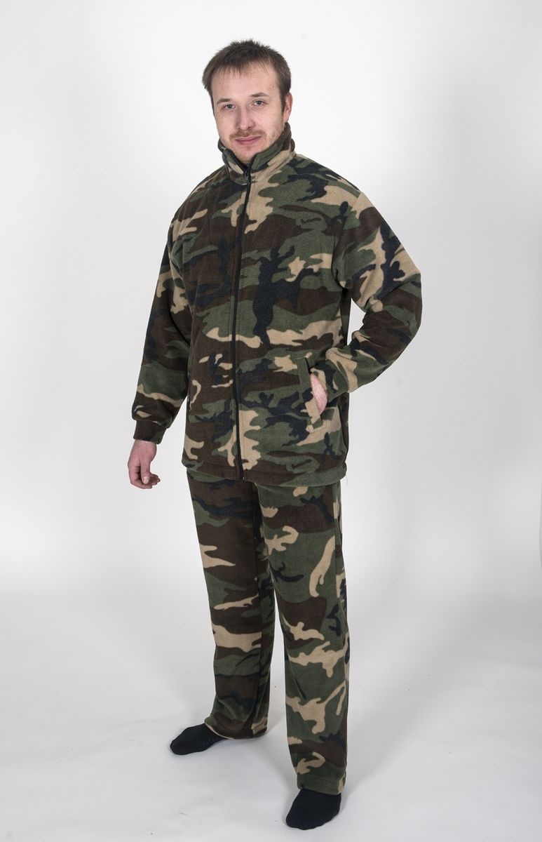 Комплект одежды Fisherman Комфорт: брюки, кофта, цвет: камуфляж. 9503. Размер 52/54КомфортТермокостюм Комфорт - флисовый костюм сочетает в себе преимущества термобелья и спортивного костюма. Можно одевать в качестве термобелья, или в сочетании с ним, под верхнюю одежду, а также использовать как обычные брюки и куртку. Куртка имеет разъемную молнию, высокий воротник и два глубоких кармана. Брюки также имеют два кармана и пояс на широкой резинке. Низ куртки и брюк регулируется при помощи резинки и стопперов. Термокостюм изготавливается из ткани Polar fleece плотностью 300 гр\м2.Polar fleece это: трикотажная ткань с двухсторонним ворсом: особо износоусточивым с наружной стороны - Polar и очень мягким и комфортным с внутренней - fleece. Лучший современный заменитель шерсти, дышащий и не вызывающий аллергии.Основные достоинства и преимущества: высокоэффективная теплозащита; мягкость и комфорт при прикосновении; отлично впитывает влагу и не холодит тело при намокании, как одежда из хлопка; быстро высыхает после намокания - быстрее , чем хлопок или шерсть;не обладает усадкой после стирки; не растягивается и не теряет форму в процессе эксплуатации.