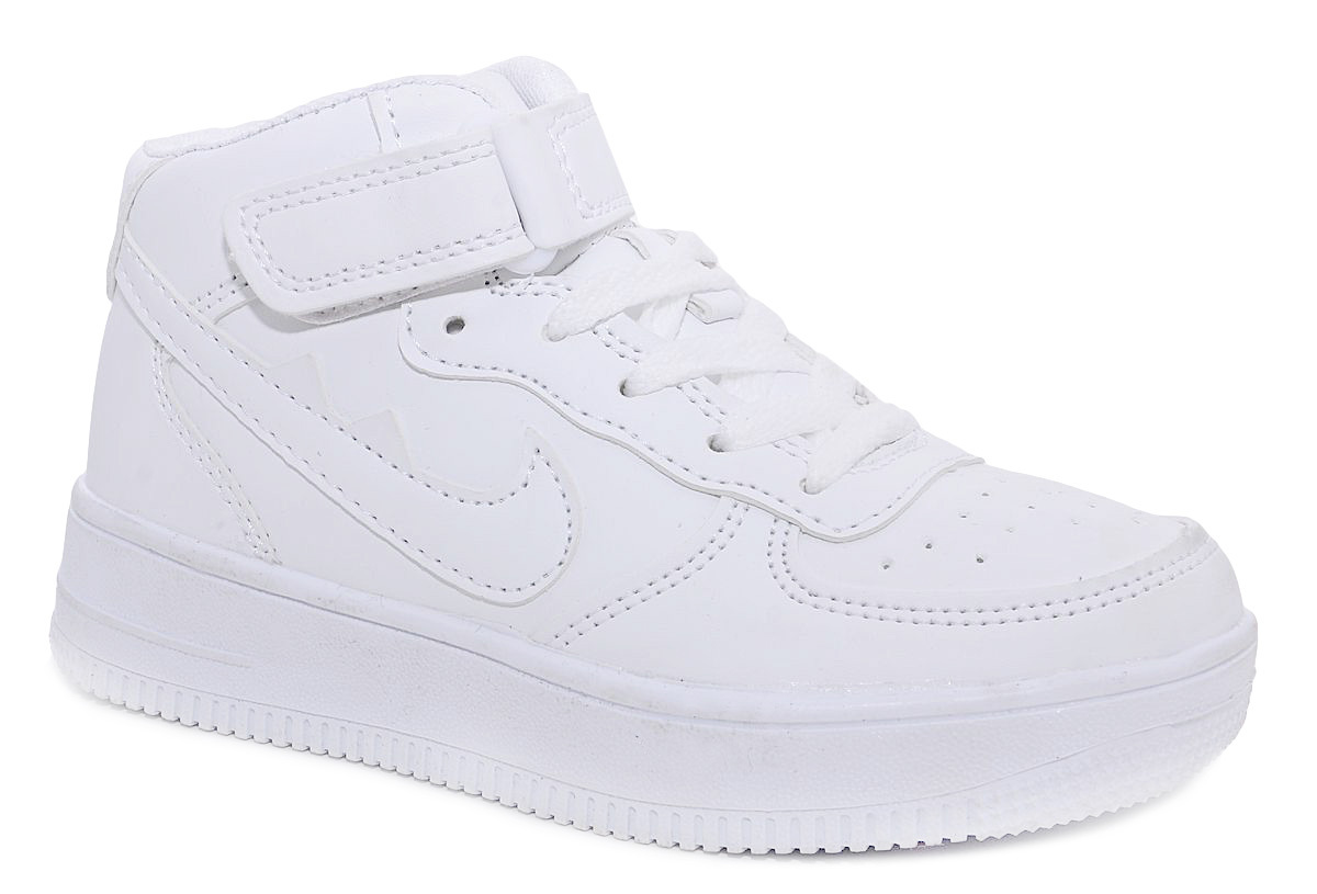 Кроссовки для мальчика М+Д, цвет: белый. 7426_10. Размер 327426_10Стильные кроссовки для мальчика М+Д выполнены из качественной искусственной кожи. Обувь фиксируется на ноге при помощи удобной шнуровки и липучки. Практична подошва из полимера дополнена рифлением.