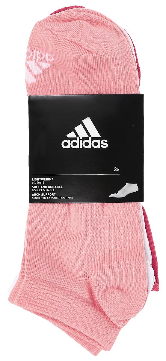 Носки женские adidas Per No-Sh T, цвет: светло-розовый, розовый, белый, 3 пары. S99894. Размер 35/38S99894Женские носки adidas Per No-Sh T изготовлены из высококачественного эластичного хлопка с добавлением полиамида и полиэстера. Укороченные носки с поддержкой стопы имеют эластичную резинку, которая надежно фиксирует носки на ноге. В комплект входят 3 пары носков разных цветов.