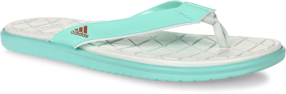 Сланцы женские adidas Caverock Cf, цвет: мятный. BA8784. Размер 8 (40,5)BA8784Женские сланцы adidas Caverock Cf выполнены из вспененного полимера и лаковой искусственной кожи. Подошва и стелька оснащены технологией Cloudfoam для поглощения ударных нагрузок и комфортной посадки без разнашивания. Поверхность подошвы дополнена рельефным рисунком.