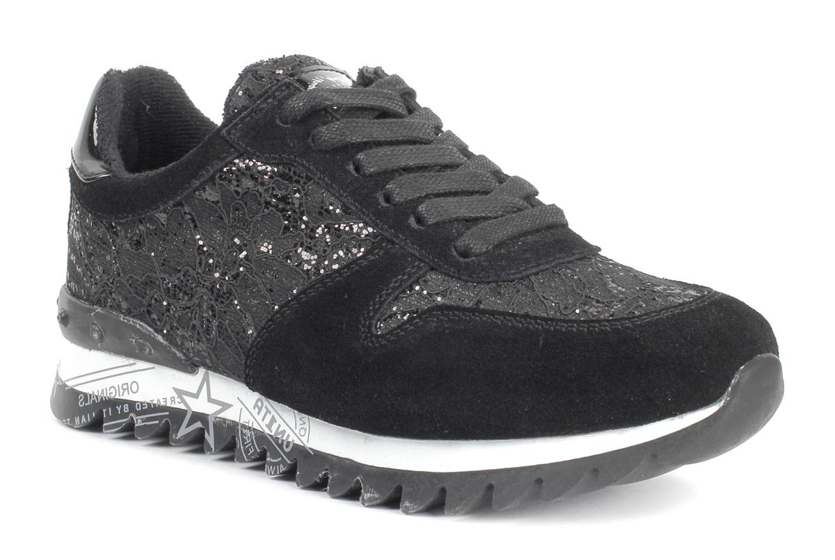 Кроссовки женские Un1ta, цвет: черный. U716M-1Z. Размер 38U716M-1ZЛегкие и стильные женские кроссовки от Un1ta отлично подойдут как для занятий спортом, так и для ежедневного использования. Верх обуви выполнен из текстиля и дополнен оригинальным тиснением. Классическая шнуровка надежно зафиксирует модель на ноге. Рельефная поверхность подошвы обеспечивает отличное сцепление с любой поверхностью. Стильные кроссовки придутся вам по душе.