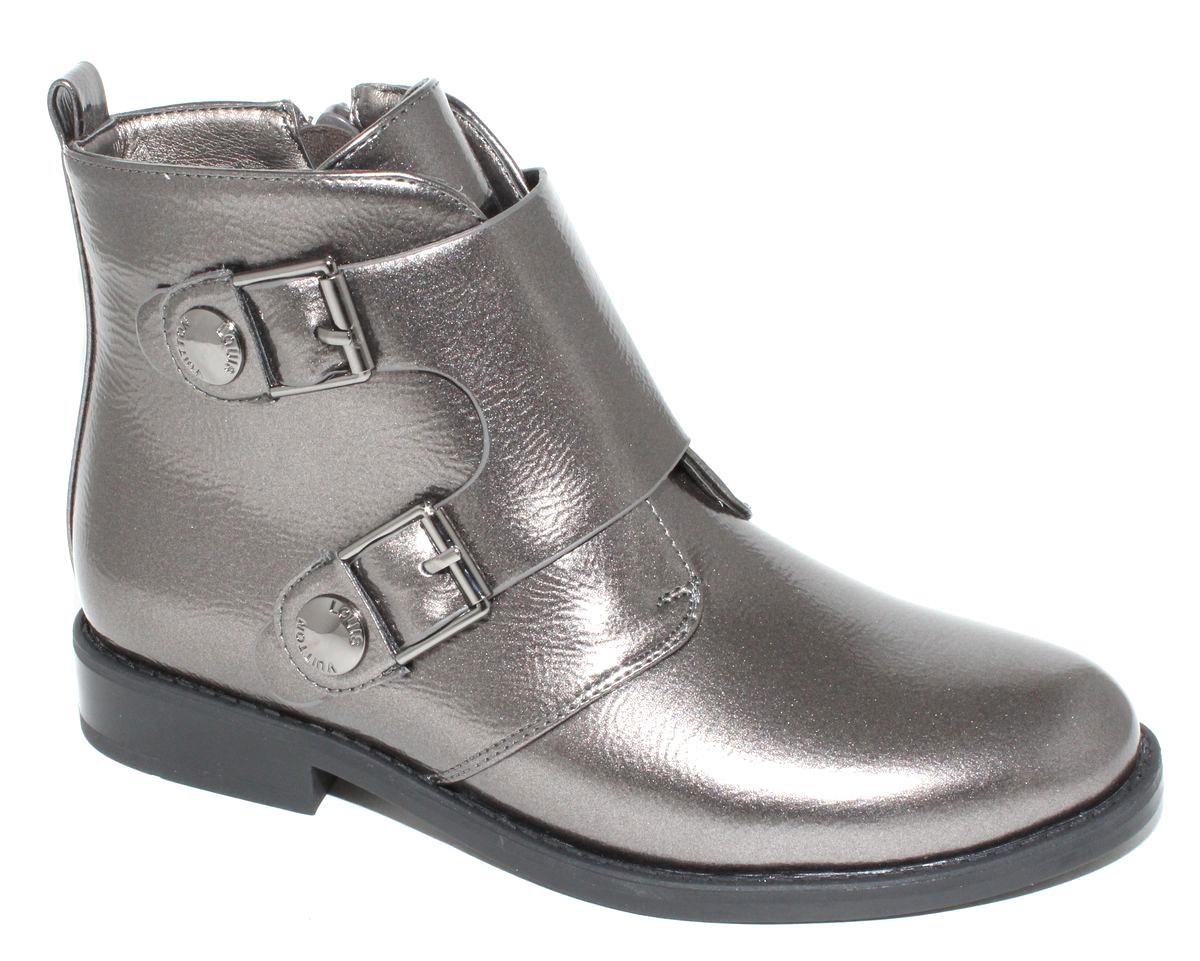 Ботинки для девочки Капитошка, цвет: серебряный. F6128. Размер 35F6128Стильные детские ботинки Капитошка для девочки выполнены из искусственной кожи. Изделие в области подъема украшено декоративными ремешками. Подкладка и стелька, выполненные из текстиля, обеспечат детским ножкам комфорт и уют. Удобные ботинки - необходимая вещь в гардеробе каждого ребенка.