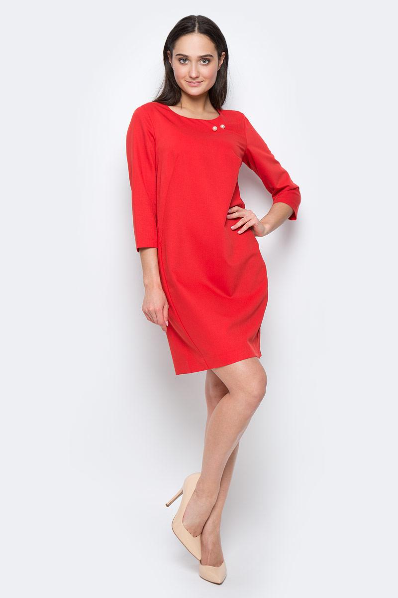 Платье Finn Flare, цвет: красный. B17-11019. Размер L (48)B17-11019Платье Finn Flare выполнено из полиэстера, вискозы и эластана. Модель с круглым вырезом горловины и рукавом 3/4 оформлена декоративной булавкой. Платье миди застегивается сзади на молнию.