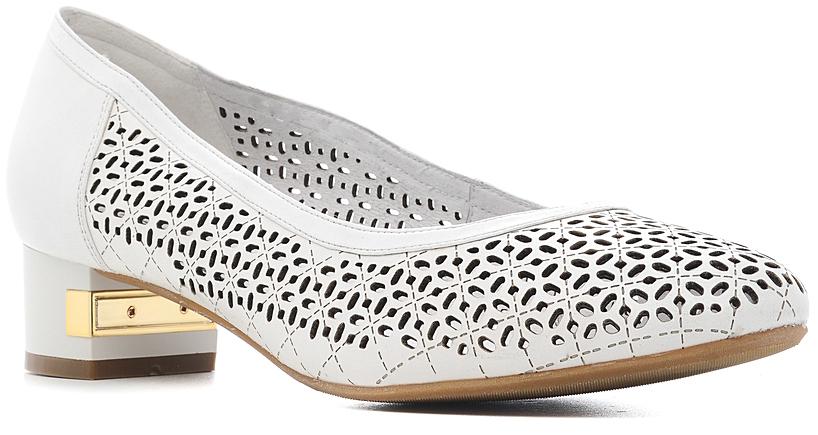 Туфли женские Marko, цвет: белый. 141143. Размер 38141143Элегантные туфли на невысоком каблуке, выполненные из натуральной кожи, оформлены перфорацией.Эти туфли можно сочетать с самыми разнообразными вещами вашего гардероба, в них вашим ногам будет комфортно и уютно.