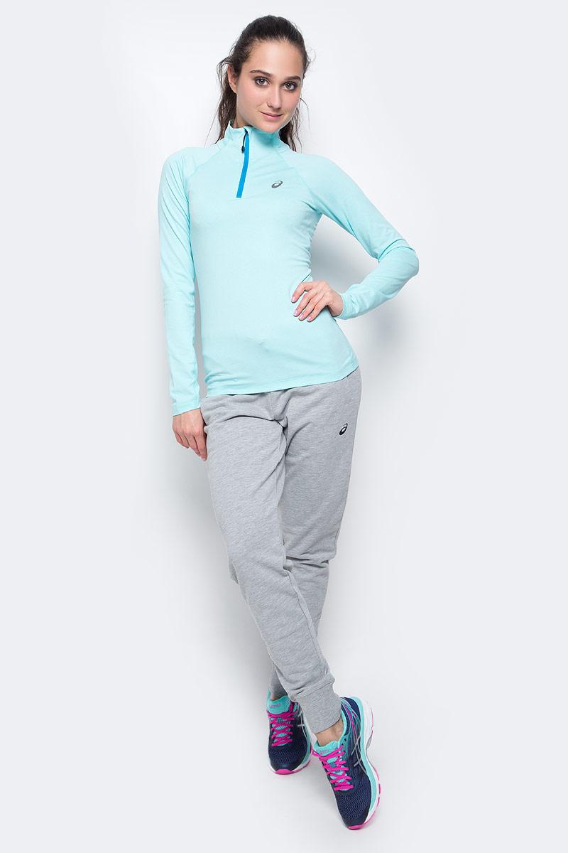 Лонгслив для бега женский Asics Ls 1/2 Zip Jersey, цвет: светло-голубой. 141647-8157. Размер L (46/48)141647-8157Лонгслив для бега Asics Ls 1/2 Zip Jersey, выполненный из полиэстера и эластана, оформлен фирменной аппликацией и прострочкой. Модель с воротником-стойкой и длинным рукавом регланом застегивается с помощью молнии.