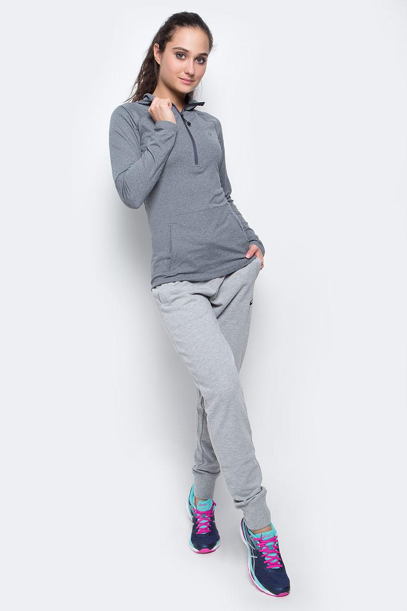 Лонгслив для бега женский Asics LS Hoodie, цвет: серый. 144013-0773. Размер L (46/48)144013-0773Лонгслив для бега Asics LS Hoodie, выполненный из полиэстера и эластана, оформлен фирменной аппликацией и прострочкой. Модель с капюшоном и длинным рукавом регланом застегивается с помощью молнии.