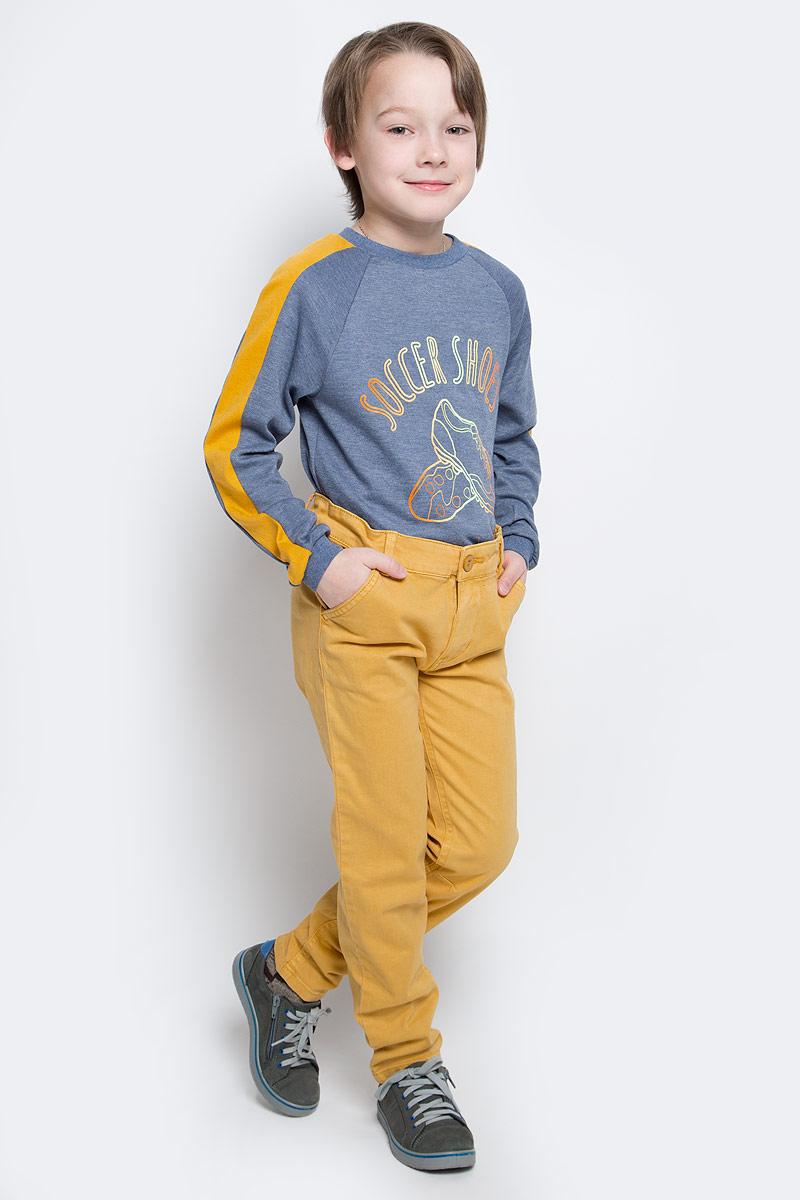 Брюки для мальчика Button Blue, цвет: горчичный. 216BBBC63010400. Размер 134, 9 лет216BBBC63010400Однотонные брюки из мягкого хлопка с эластаном - хит осенне-зимнего сезона! Классные брюки подарят комфорт и свободу движений. С рубашкой, пуловером, толстовкой они составят отличный комплект. Выполнены из высококачественного материала.