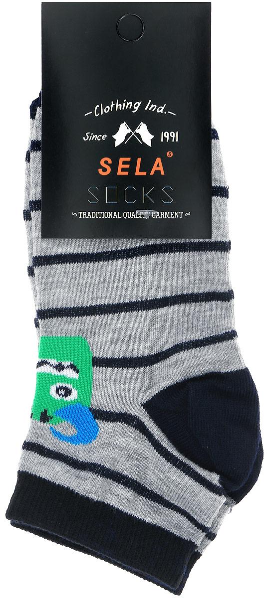 Носки для мальчика Sela, цвет: серый, черный. SOb-7854/018-7101. Размер 20/22SOb-7854/018-7101Носки для мальчика Sela изготовлены из высококачественного эластичного хлопка с добавлением полиэстера. Укороченные носки имеют эластичную резинку, которая надежно фиксирует носки на ноге. Модель оформлена принтом с изображением забавного монстра.