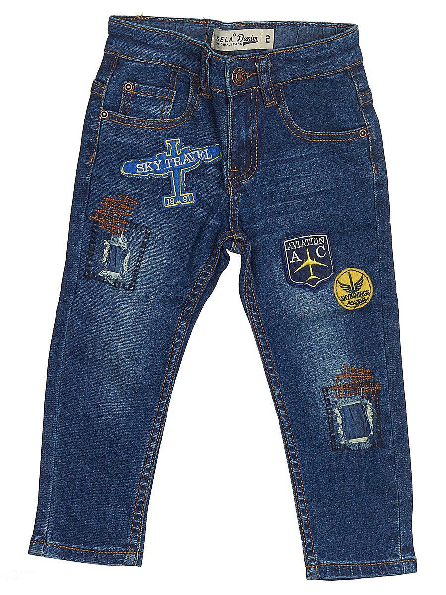 Джинсы для мальчика Sela Denim, цвет: синий джинс. PJ-735/053-7131. Размер 104, 4 годаPJ-735/053-7131Стильные джинсы для мальчика Sela выполнены из качественного эластичного хлопка с эффектом потертостей. Джинсы зауженного кроя и стандартной посадки на талии застегиваются на пуговицу и имеют ширинку на застежке-молнии. На поясе имеются шлевки для ремня. Модель представляет собой классическую пятикарманку: два втачных и один маленький накладной кармашек спереди и два накладных кармана сзади. Джинсы оформлены яркими нашивками и декоративными заплатками.