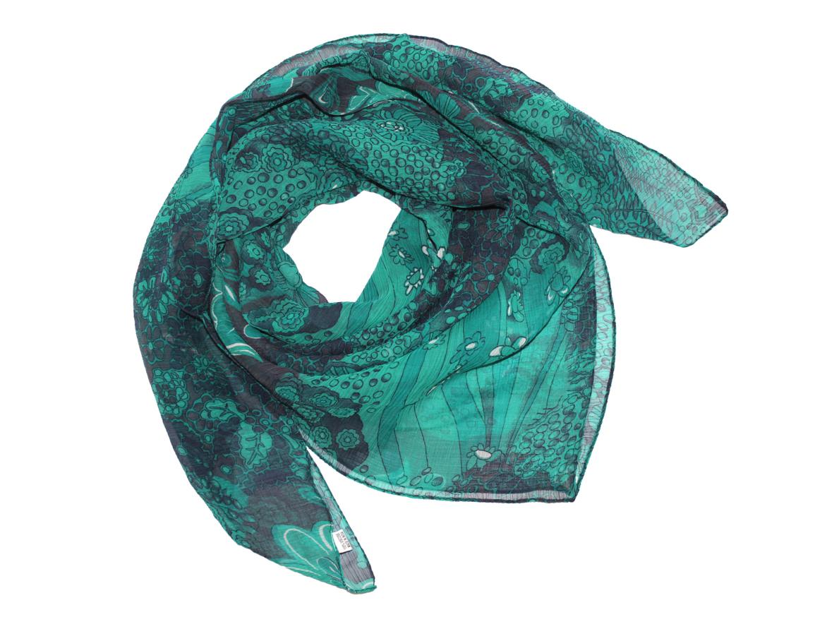 Платок женский Ethnica, цвет: бирюзовый. 524040н. Размер 90 см х 90 см524040н_74Платок Ethnica, выполненный из вискозы, гармонично дополнит образ современной женщины. Благодаря своему составу, он легкий, мягкий и приятный на ощупь. Модель оформлена оригинальным принтом. Классическая квадратная форма позволяет носить платок на шее, украшать им прическу или декорировать сумочку. С таким платком вы всегда будете выглядеть женственно и привлекательно.