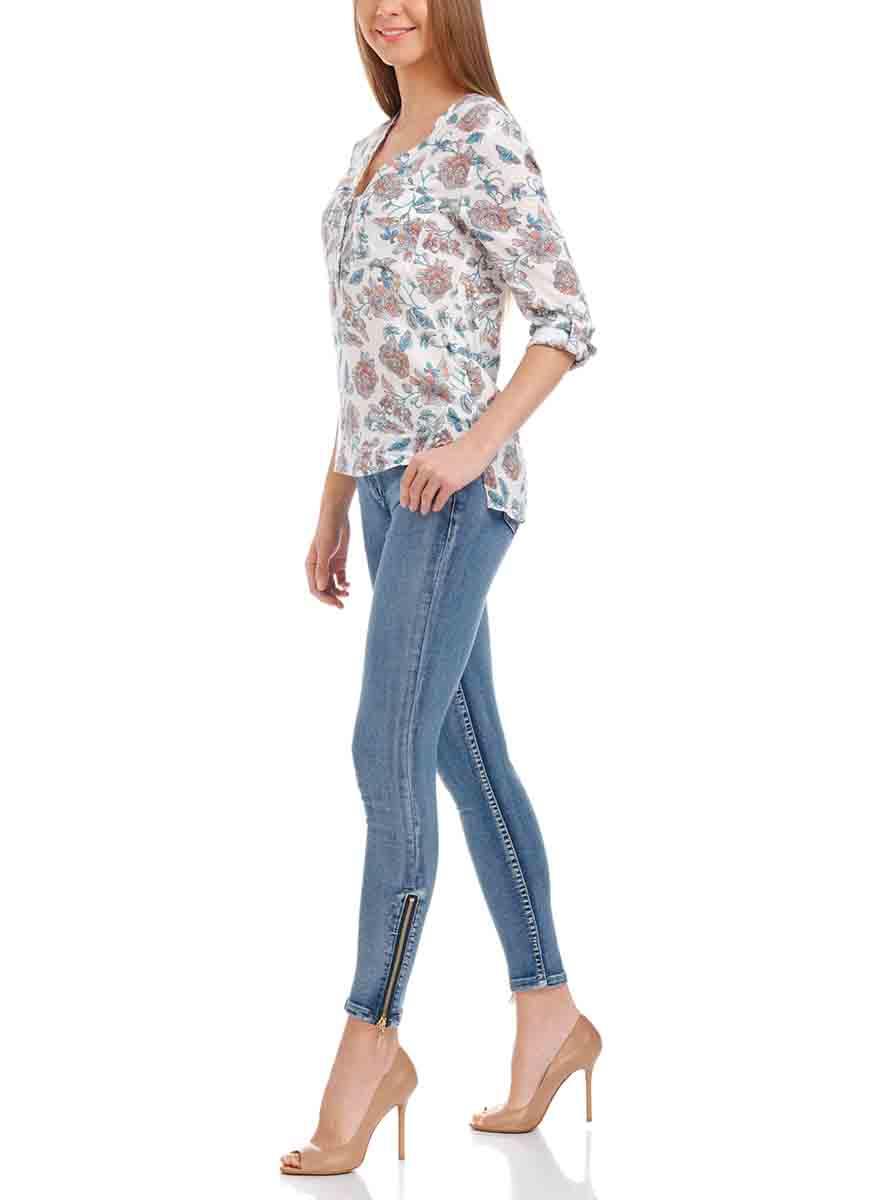 Джинсы женские oodji Ultra, цвет: синий джинс. 12106050/45379/7500W. Размер 29-30 (48-30)12106050/45379/7500WЖенские джинсы oodji Ultra выполнены из высококачественного материала. Модель-слим средней посадки по поясу застегиваются на пуговицу и имеют ширинку на застежке-молнии, а также шлевки для ремня. Джинсы имеют классический пятикарманный крой: спереди - два втачных кармана и один маленький накладной, а сзади - два накладных кармана. Брючины по низу дополнены застежками-молниями.