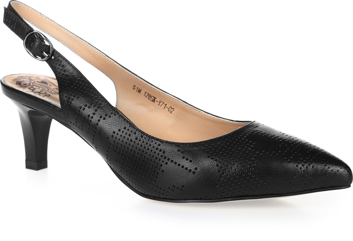 Туфли женские Francesco Donni, цвет: черный. P51M 178SK-Y71-02G. Размер 36P51M 178SK-Y71-02GТуфли Francesco Donni выполнены из натуральной кожи и оформлены декоративной перфорацией. На ноге модель фиксируется с помощью ремешка с застежкой-пряжкой. Внутренняя поверхность и стелька выполнены из искусственной кожи, комфортной при движении. Подошва выполнена из прочного ТЭП-материала и дополнена невысоким каблуком. Поверхность подошвы дополнена мелким рифлением.
