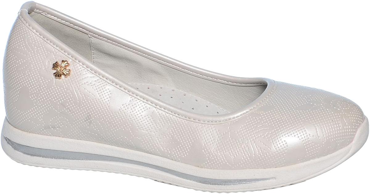 Туфли для девочки Tom&Miki, цвет: белый. B-1024. Размер 36B-1024-BСтильные туфли для девочки Tom&Miki выполнены из качественной искусственной кожи с оригинальным рельефным принтом. Кожаная стелька с супинатором придаст максимальный комфорт при движении. Туфли оформлены оригинальным декоративным элементом.