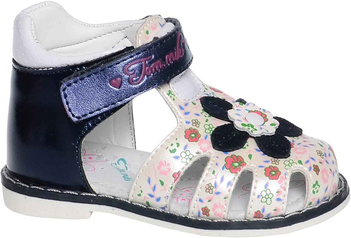 Сандалии для девочки Tom&Miki, цвет: белый, темно-синий. B-1120. Размер 21B-1120-CУдобные и красивые сандалии от Tom&Miki придутся по душе вашей девочке. Модель выполнена из качественной комбинированной кожи. Внутренняя часть и стелька изготовлены из натуральной кожи. Ремешок с застежкой-липучкой прочно закрепит модель на ножке.