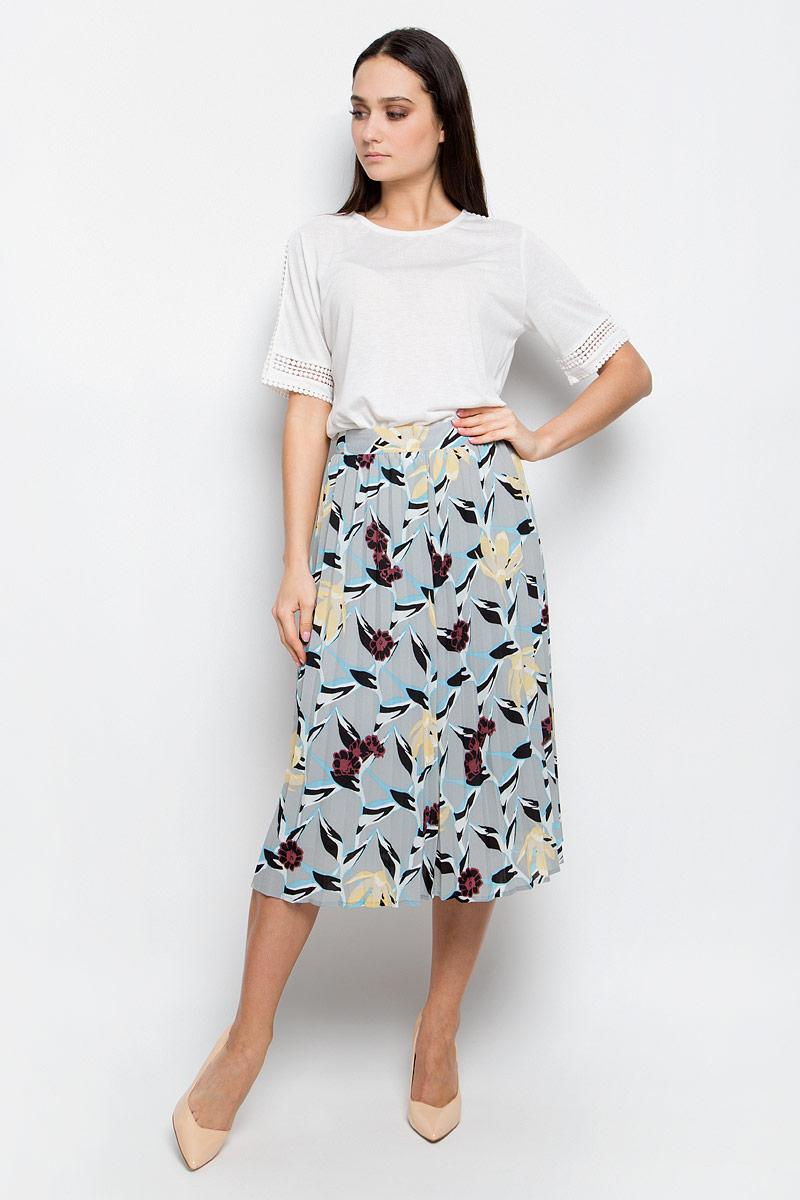 Юбка Baon, цвет: серый. B477001. Размер L (48)B477001_Anhydrite PrintedПлиссированная юбка Baon выполнена из струящейся ткани и оформлена ярким принтом. Модель длины миди. Боковая сторона дополнена потайной застежкой-молнией.