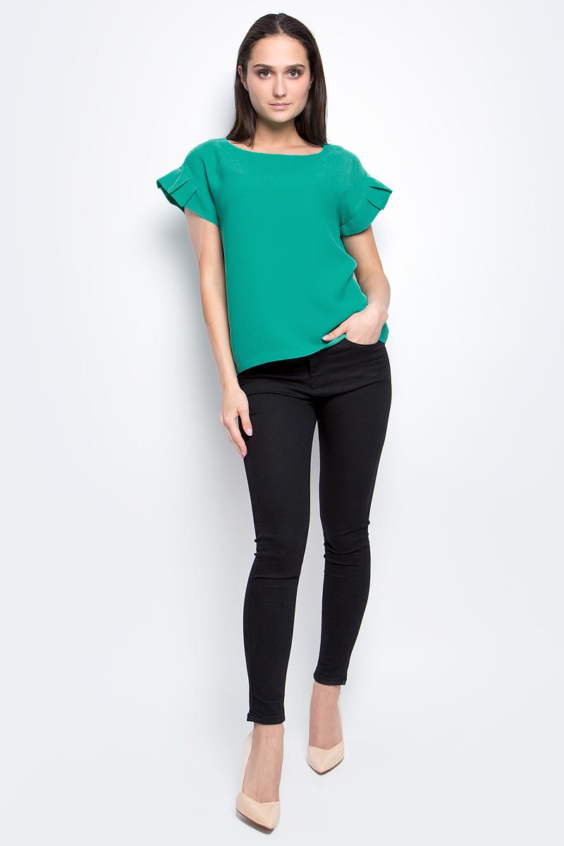 Блузка женская Baon, цвет: зеленый. B197018. Размер S (44)B197018_TurquoiseЖенская блузка Baon выполнена из 100% полиэстера. Модель с круглым вырезом горловины и короткими рукавами сзади застегивается на пуговицу.