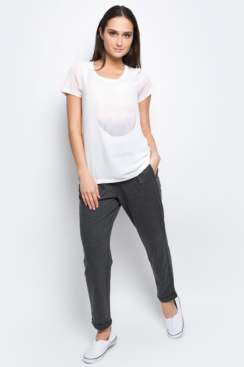 Футболка женская Baon, цвет: светло-розовый. B237072. Размер M (46)B237072_Rose PowderЖенская футболка Baon выполнена из полиэстера с добавлением вискозы. Модель с короткими рукавами и круглым вырезом горловины оформлена оригинальным принтом.