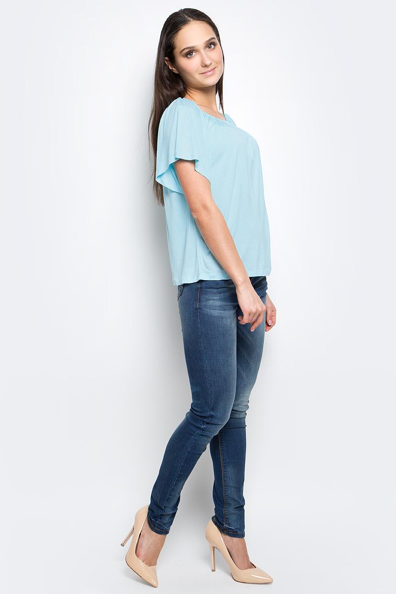 Футболка женская Baon, цвет: светло-голубой. B237048. Размер S (44)B237048_Ice BlueЖенская футболка Baon выполнена из 100% вискозы. Модель с короткими рукавами и круглым вырезом горловины.
