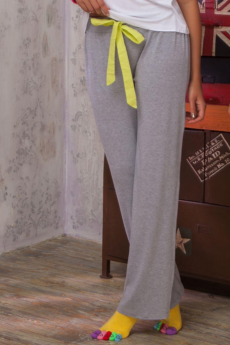 Брюки для дома женские Amore A Prima Vista Limonata, цвет: светло-серый меланж. 36482. Размер L (48)36482Женские брюки Limonata из коллекции домашней одежды от Amore A Prima Vista выполнены из струящейся вискозы с небольшим добавлением эластана. Материал изделия обладает высокой воздухопроницаемостью и гигроскопичностью, позволяет коже дышать. Такие брюки великолепно подойдут для повседневной носки дома или на отдыхе.Модель прямого кроя со средней посадкой станет идеальным вариантом для создания современного образа. Брюки имеют широкую эластичную резинку на поясе. Объем талии регулируется при помощи шнурка-кулиски. Домашняя одежда от Amore A Prima Vista подарит вам комфорт в течение всего дня и позволит с удовольствием проводить время дома.