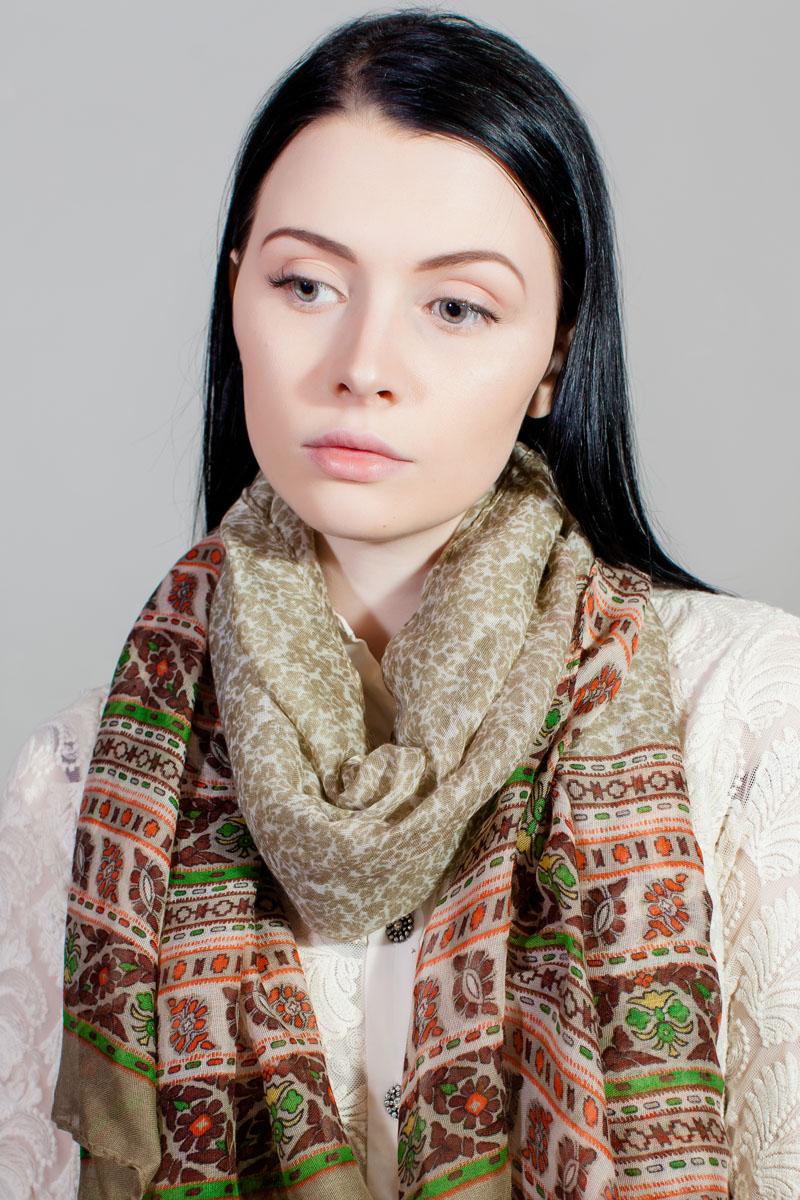Платок женский Fiona Fantozzi, цвет: бежевый, белый, оранжевый. SJ-11777-30. Размер 110 см х 110 смSJ-11777-30Стильный женский платок изготовлен из шелка и полиэстера. Изделие оформлено оригинальным принтом.