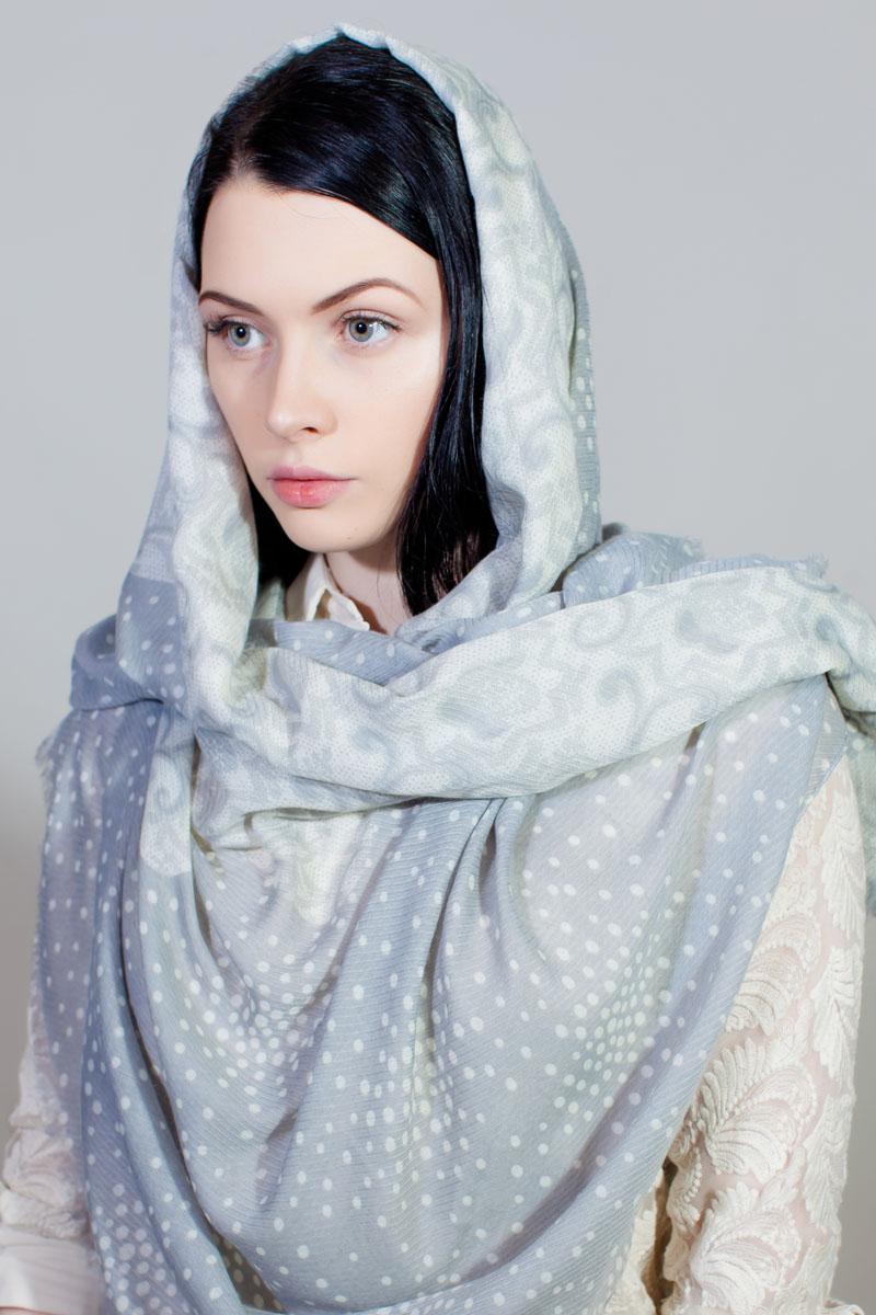Палантин Sophie Ramage, цвет: белый, светло-серый. BT-11701-6. Размер 90 см х 180 смBT-11701-6Стильный палантин Sophie Ramage изготовлен из модала и шелка. Изделие оформлено оригинальным принтом.