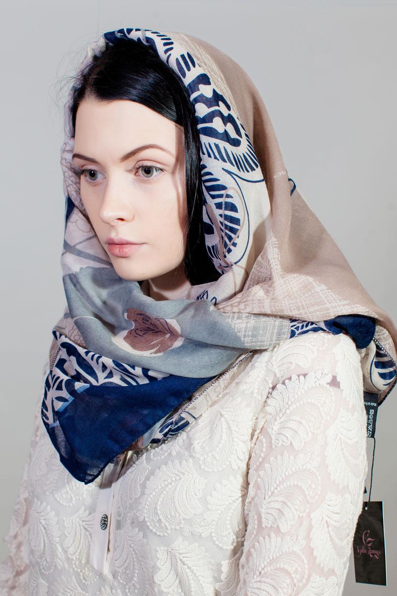 Палантин Sophie Ramage, цвет: бежевый, синий, белый. RW-11701-42. Размер 90 см х 180 смRW-11701-42Стильный палантин Sophie Ramage изготовлен из модала и шелка. Изделие оформлено оригинальным принтом.