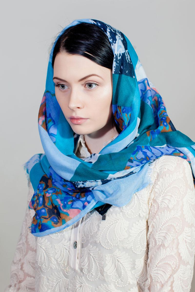 Палантин Sophie Ramage, цвет: голубой, белый, бирюзовый. YY-11732-1. Размер 80 см х 180 смYY-11732-1Стильный палантин Sophie Ramage изготовлен из модала и шелка. Изделие оформлено оригинальным принтом.