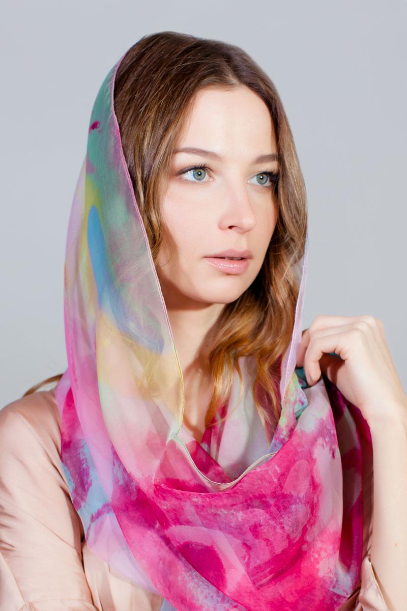 Палантин Sophie Ramage, цвет: розовый, белый, голубой. HL-11730-11. Размер 120 cм х 195 смHL-11730-11Стильный палантин Sophie Ramage изготовлен из модала и шелка. Изделие оформлено оригинальным принтом.