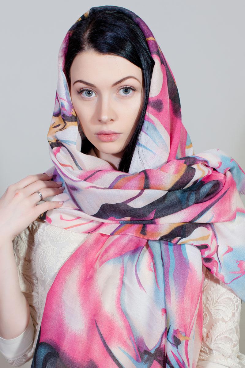 Палантин Sophie Ramage, цвет: розовый, белый, голубой. YY-11733-19. Размер 80 см х 180 смYY-11733-19Стильный палантин Sophie Ramage изготовлен из шелка и полиэстера. Изделие оформлено оригинальным принтом.