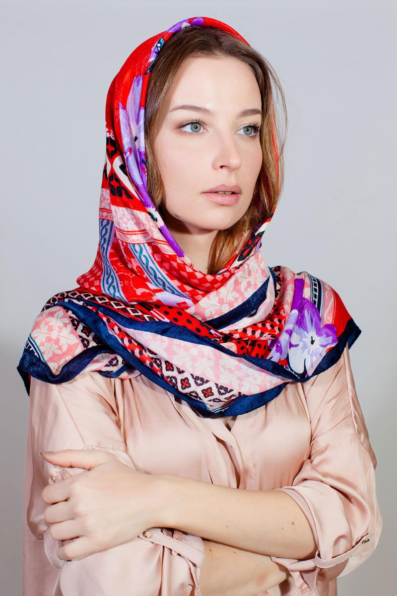 Платок женский Sophie Ramage, цвет: красный, сиреневый, розовый. YY-11730-56. Размер 110 см х 110 смYY-11730-56Стильный платок Sophie Ramage изготовлен из качественной смесовой ткани. Изделие оформлено оригинальным принтом.