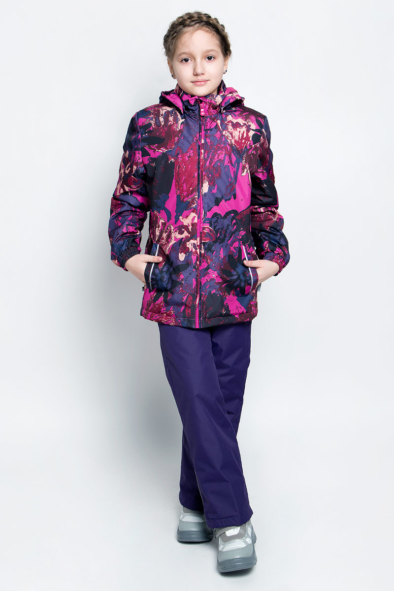 Комплект верхней одежды для девочки Huppa Yonne 1: куртка, брюки, цвет: фуксия, темно-лиловый. 41260114-71263. Размер 134, 8-9 лет41260114-71263Костюм для девочки Huppa Yonne 1 состоит из куртки и брюк. Костюм выполнен из 100% полиэстера с высокими показателями износостойкости. Ткань с обратной стороны покрыта слоем полиуретана с микропорами (мембрана), который препятствует прохождению влаги и ветра внутрь изделия. Для максимальной влагонепроницаемости швы проклеены водостойкой лентой. Подкладка костюма выполнена из гладкой тафты. Высокотехнологичный легкий синтетический утеплитель обладает уникальным расположением волокон, которые обеспечивают сохранение объема и высокую теплоизоляцию, а также гарантируют легкую стирку и быстрое высыхание. Куртка имеет застежку-молнию с защитой подбородка от прищемления, отстегивающийся капюшон, прорезные открытые карманы. Талия, манжеты рукавов и край капюшона снабжены эластичными резинками. Брюки закрываются на застежку-молнию и пуговицу в поясе, эластичные подтяжки регулируемой длины легко снимаются, талия снабжена резинкой для плотного прилегания. На изделиях присутствуют светоотражательные элементы для безопасности в темное время суток.