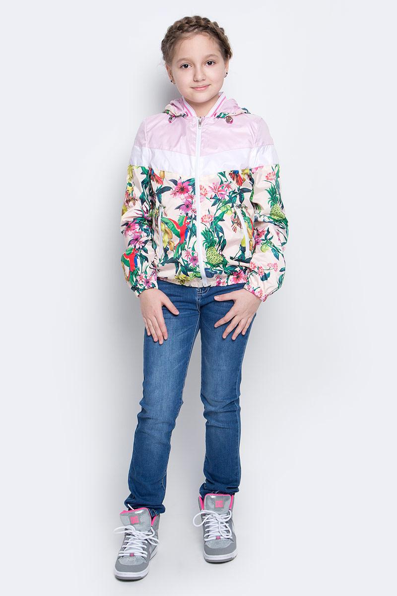 Куртка для девочки Boom!, цвет: белый, мультиколор. 70001_BOG_вар.3. Размер 128, 7-8 лет70001_BOG_вар.3Лёгкая куртка для девочки Boom! изготовлена из водонепроницаемого полиэстера. Куртка с тропическим принтом застегивается на пластиковую застежку-молнию. У модели предусмотрены два врезных кармана на молниях.Капюшон съемный, пристегивается на пуговицы. Капюшон оснащен резинкой-утяжкой со стопперами. Манжеты рукавов и низ куртки дополнены вшитыми резинками.