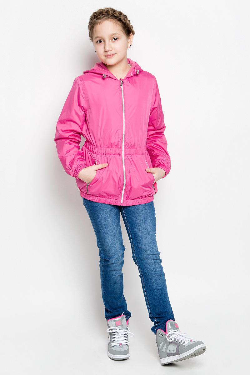 Куртка для девочки Sela, цвет: ярко-розовый. CWB-626/111-7112. Размер 128, 8 летCWB-626/111-7112Стильная куртка для девочки Sela отлично подойдет для прохладной весенней погоды. Верх куртки выполнен из полиэстера. Подкладка на спинке и груди изготовлена из флиса, в рукавах - гладкий полиэстер для легкости одевания. Модель застегивается на застежку-молнию с защитой от прищемления подбородка. Куртка имеет длинные рукава и втачной капюшон с утяжкой по краю. Низ куртки, манжеты рукавов и талия дополнены резинками для лучшего прилегания. С лицевой стороны расположены два прорезных кармана на молнии. Модель дополнена светоотражающими элементами для безопасности в темное время суток.