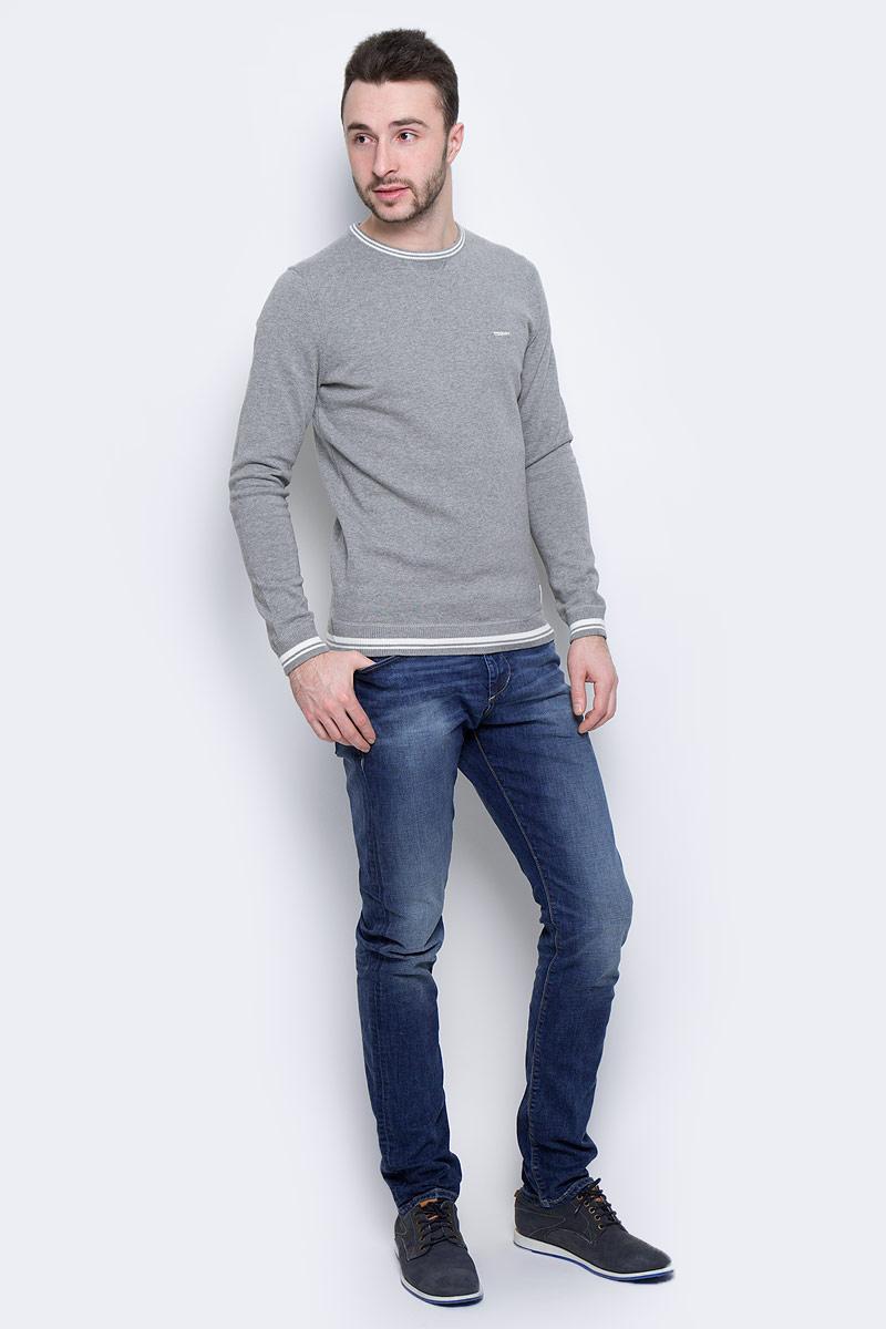 Джинсы мужские Tom Tailor, цвет: синий. 6205520.00.10_1052. Размер 33-32 (48/50-32)6205520.00.10_1052Модные мужские джинсы Tom Tailor выполнены из высококачественного хлопка с добавлением эластана. Джинсы модели slim имеют стандартную посадку. Застегиваются на пуговицу в поясе и ширинку на молнии. Имеются шлевки для ремня. Спереди расположены два прорезных кармана и один небольшой накладной карман, а сзади - два накладных кармана. Модель дополнена эффектом потертости.