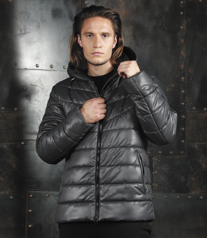 Куртка мужская Grishko, цвет: черный. AL-2972. Размер 52AL-2972Модная универсальная куртка Grishko с застежкой на молнию и закрытым глубоким капюшоном, снабженным фиксаторами, дополнительно защищающим от непогоды, - незаменимая модель в холодную осеннюю погоду. Куртка дополнена двумя боковыми втачными карманами на молнии и внутренним карманом. Утеплитель - 100% микрофайбер - это утеплитель нового поколения, который отличается повышенной теплоизоляцией, антибактериальными свойствами, долговечностью в использовании и необычайно легок в носке и уходе.