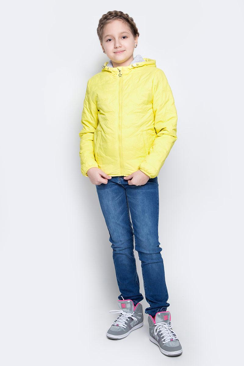 Куртка для девочки Sela, цвет: светло-желтый. CpQ-626/300-7111. Размер 128, 8 летCpQ-626/300-7111Куртка для девочки Sela идеально подойдет для вашей принцессы в прохладное время года. Модель изготовлена из 100% нейлона. Основная подкладка выполнена из натурального хлопка, а подкладка рукавов из 100% полиэстера. Утеплитель из тонкого слоя синтепона. Куртка с несъемным капюшоном застегивается на застежку-молнию. Капюшон дополнен эластичным шнурком со стопперами. Изделие дополнено спереди двумя втачными карманами на застежках-кнопках. С внутренней стороны одним маленьким накладным карманом.Низ изделия и низ рукавов с внутренней стороны присборены на тонкие эластичные резинки. Куртка оснащена светоотражающими элементами.
