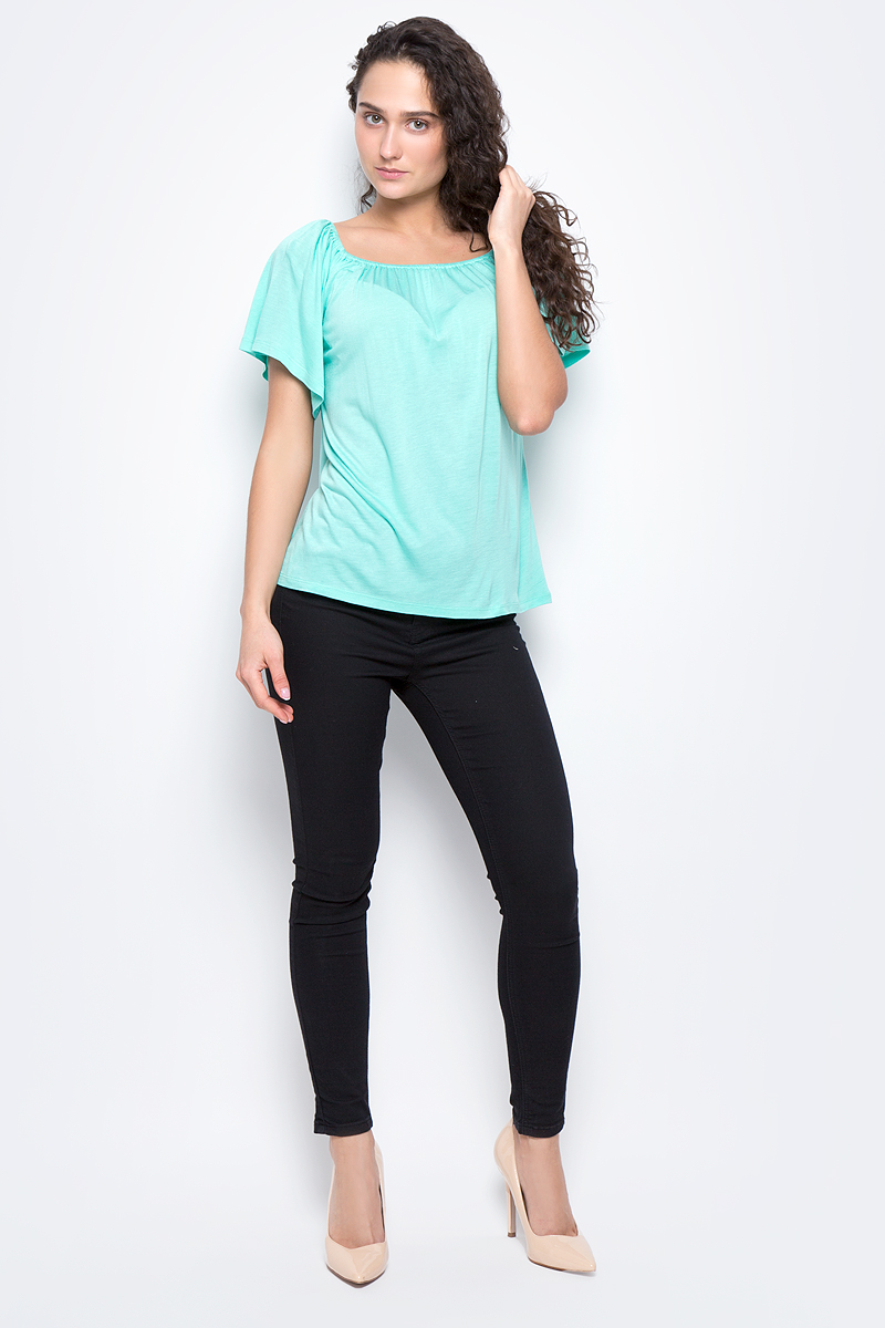 Футболка женская Baon, цвет: голубой. B237048. Размер M (46)B237048_Dark LazureЖенская футболка Baon выполнена из 100% вискозы. Модель с короткими рукавами и круглым вырезом горловины.
