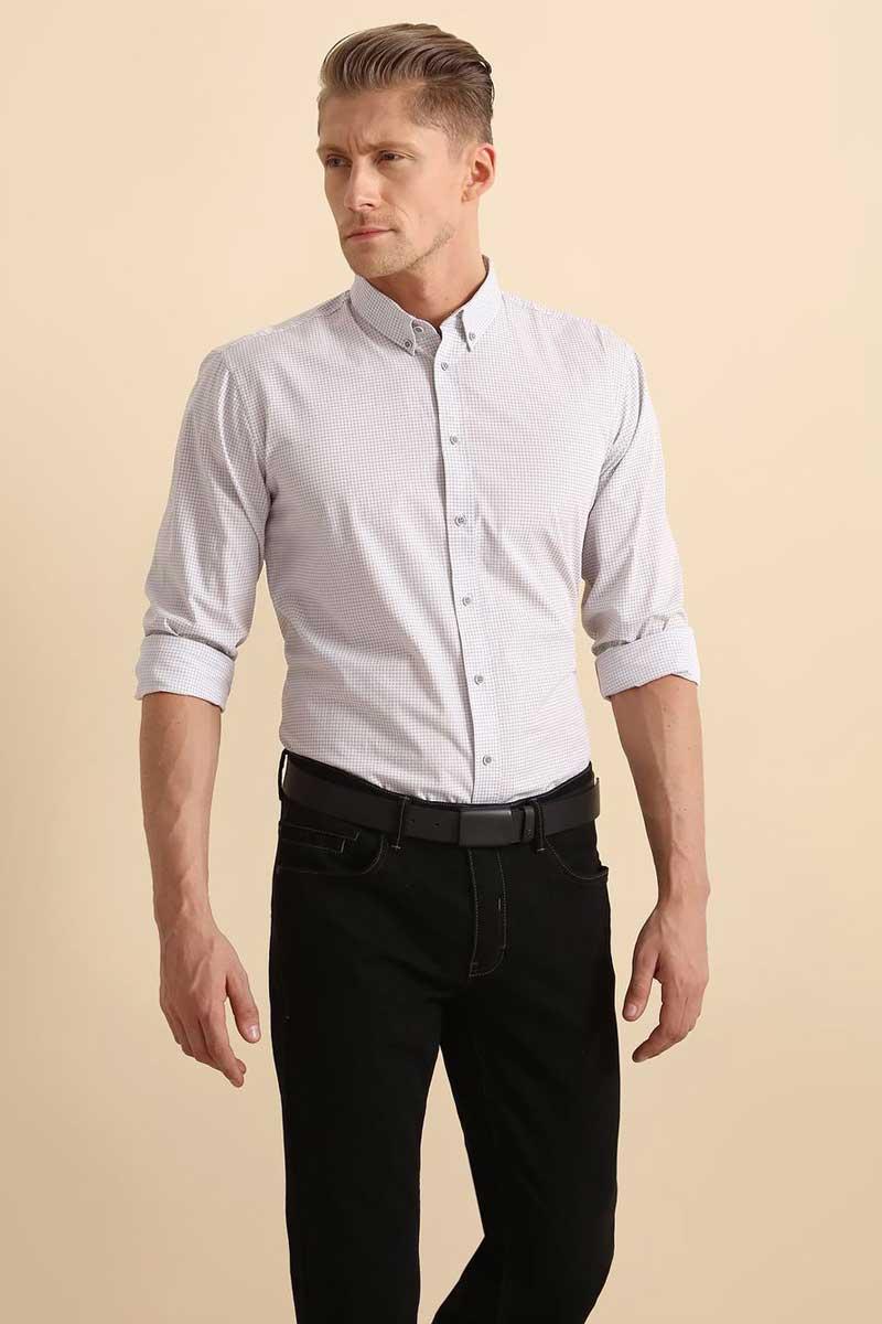 Рубашка мужская Top Secret, цвет: белый. SKL2291BI. Размер 42/43 (50)SKL2291BIРубашка мужская Top Secret выполнена из 100% хлопка. Модель с отложным воротником и длинными рукавами застегивается на пуговицы.