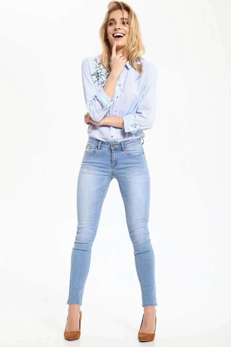 Джинсы женские Top Secret, цвет: голубой. SSP2432BL. Размер 36 (44)SSP2432BLСтильные женские джинсы Top Secret - джинсы высочайшего качества на каждый день, которые прекрасно сидят. Модель изготовлена из высококачественного комбинированного материала. Эти модные и в тоже время комфортные джинсы послужат отличным дополнением к вашему гардеробу. В них вы всегда будете чувствовать себя уютно и комфортно.