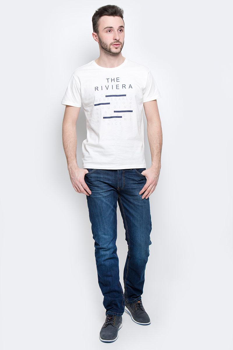 Футболка мужская Baon, цвет: белый. B737053. Размер L (50)B737053_WhiteМужская футболка Baon выполнена из 100% хлопка. Модель с круглым вырезом горловины и стандартными короткими рукавами. Горловина снабжена эластичной бейкой. Футболка дополнена оригинальными надписями.
