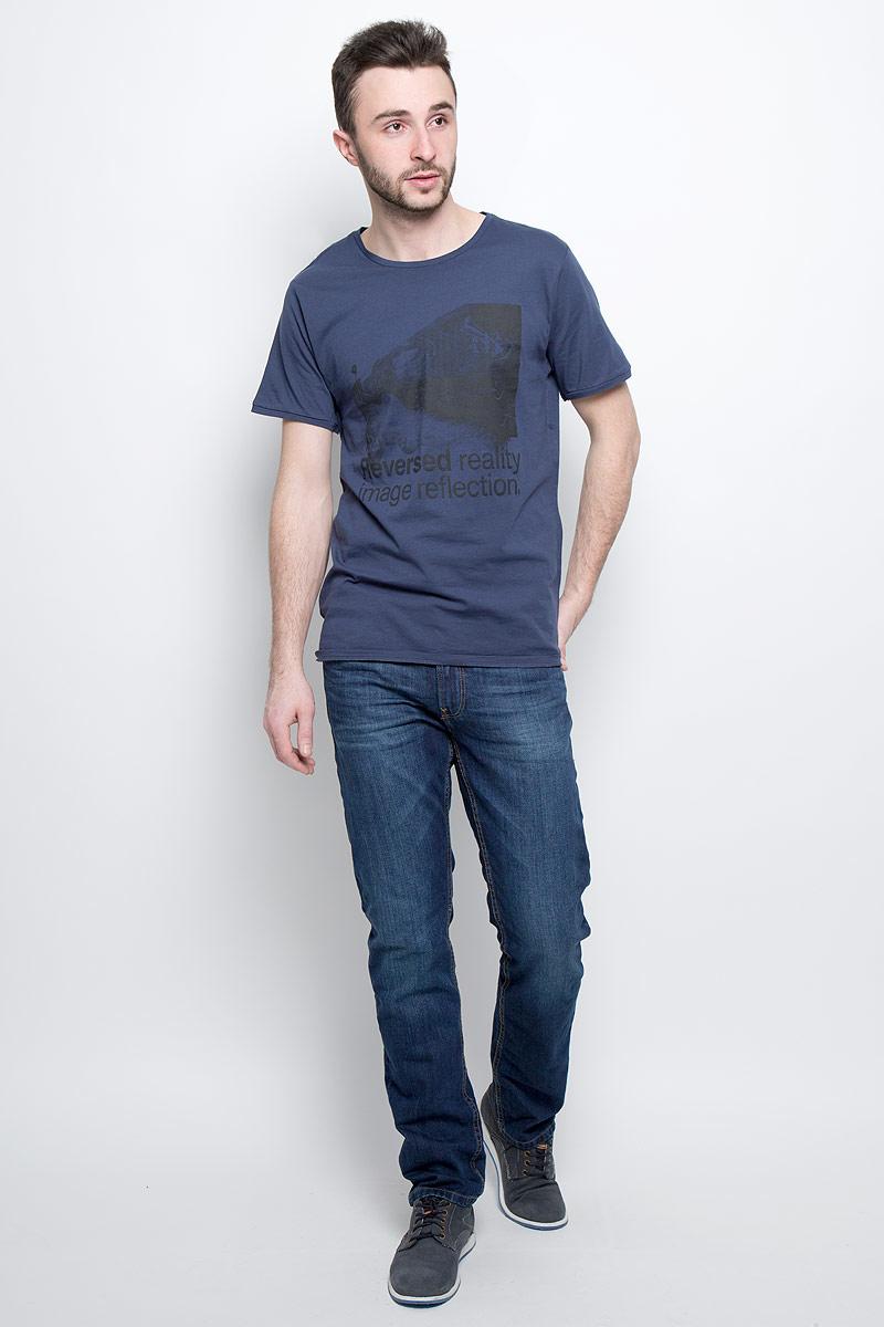 Футболка мужская Baon, цвет: темно-синий. B737041. Размер M (48)B737041_Deep NavyМужская футболка Baon выполнена из натурального хлопка. Модель с круглым вырезом горловины и короткими рукавами оформлена оригинальным принтом.