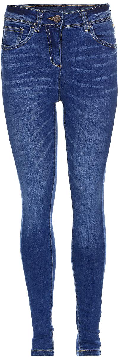 Джинсы для девочки Tom Tailor, цвет: синий джинс. 6205481.00.40_1000. Размер 1646205481.00.40_1000Стильные джинсы для девочки Tom Tailor, изготовленные из эластичного хлопка, они необычайно мягкие и приятные на ощупь, не сковывают движения малышки и позволяют коже дышать.Джинсы-дудочки с завышенной талией застегиваются на металлическую пуговицу, также имеются шлевки для ремня и ширинка на металлической застежке-молнии. С внутренней стороны пояс регулируется резинкой на пуговицах. Модель спереди дополнена двумя втачными и одним маленьким накладным кармашком, а сзади - двумя накладными карманами.