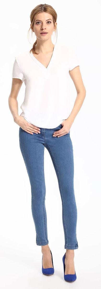 Блузка женская Top Secret, цвет: белый. SBK2217BI. Размер 40 (48)SBK2217BIБлузка женская Top Secret выполнена из полиэстера. Модель с V-образным вырезом горловины и короткими рукавами.
