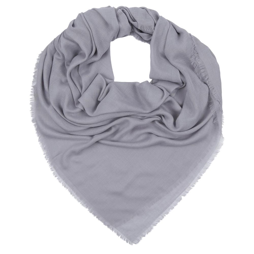 Платок женский Fabretti, цвет: серый. F1631-3. Размер 140 см х 140 смF1631-3Стильный однотонный платок Fabretti изготовлен из модала. По краям имеется короткая бахрома.