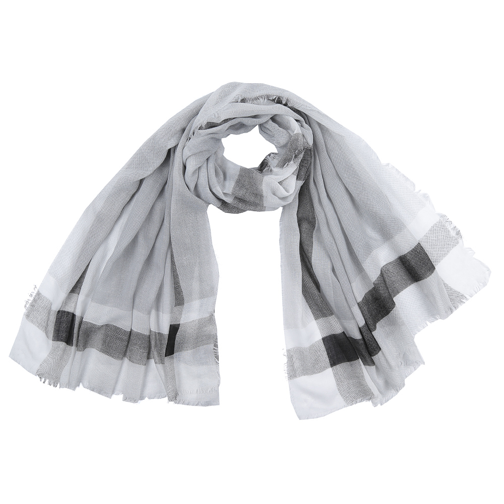 Шарф женский Fabretti, цвет: серый. SR16112-4. Размер 180 см х 90 смSR16112-4Элегантный женский шарф от итальянского бренда Fabretti имеет неповторимую мягкость и легкость фактуры. Красочное сочетание цветов позволило дизайнерам создать изысканную модель, которая станет изюминкой любого весеннего образа.