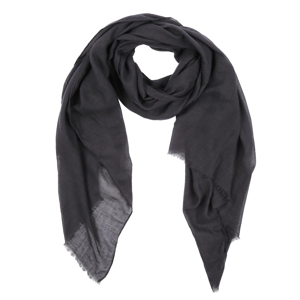 Шарф женский Fabretti, цвет: черный. Leo032-17. Размер 180 см х 90 смLeo032-17Элегантный женский шарф от итальянского бренда Fabretti имеет неповторимую мягкость и легкость фактуры. Красочные цвета позволили дизайнерам создать изысканную модель, которая станет изюминкой любого весеннего образа.