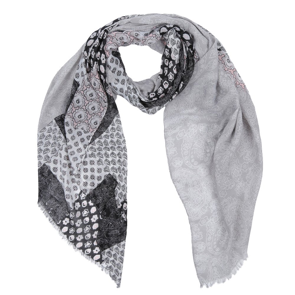 Шарф женский Fabretti, цвет: серый, черный. Leo459-F. Размер 180 см х 90 смLeo459-FЭлегантный женский шарф от итальянского бренда Fabretti имеет неповторимую мягкость и легкость фактуры. Красочное сочетание цветов позволило дизайнерам создать изысканную модель, которая станет изюминкой любого весеннего образа.