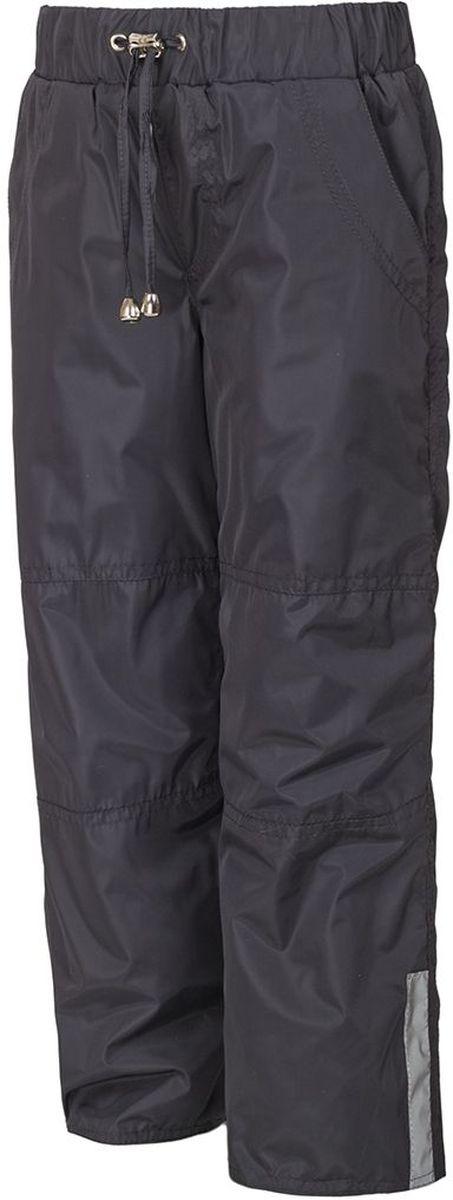 Брюки утепленные детские M&D, цвет: темно-серый. БР007Ф. Размер 104БР007ФУтепленные брюки M&D выполнены из полиэстера, который не пропускает воду. Модель оформлена прострочкой, декоративным гульфиком и светоотражающими полосками. Брюки оснащены накладными карманами спереди и сзади. Эластичная резинка и завязки на поясе плотно зафиксируют модель. Теплая подкладка выполнена из флиса. Брючины дополнены эластичными резинками, которые предотвратят попадание снега.